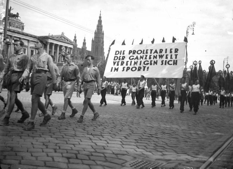 Opening march of the 1931 International Workers' Olympiads in Vienna, Austria.